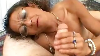 Nerdy curly amateur strumpet is so into jerking off stiff dick