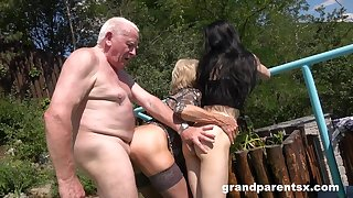 Old man rams grown-up wife and their niece in alfresco threesome