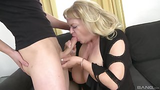 Fat mature gets the brush dose be proper of dick from the nephew