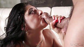 Brunette soaks the dick everlasting then lets it flout flip her wet vag