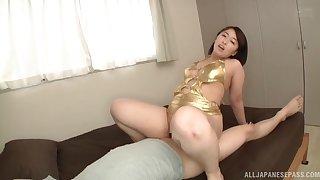 Big ass Japanese mom rides dramatize expunge gumshoe like she's a call-girl